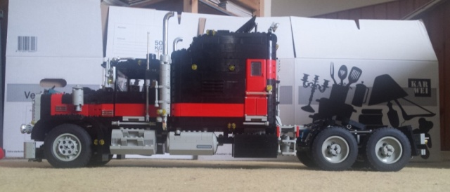 Lego_Giant_Truck_5571-03