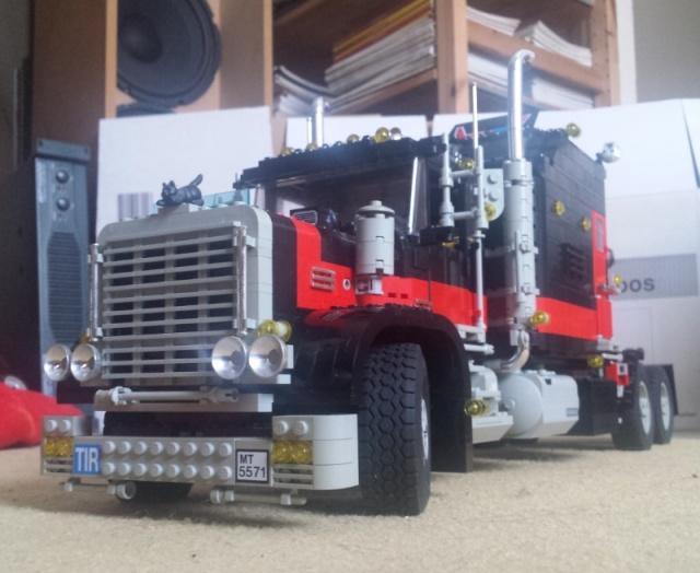 Lego_Giant_Truck_5571-12