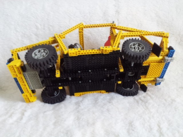 LEGO_car_8860-04