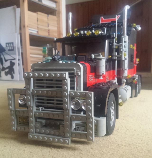 lego_giant_truck_5571-v4-d.jpg